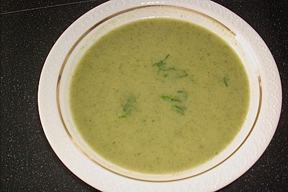 Brokkoli - Basilikum Suppe 8