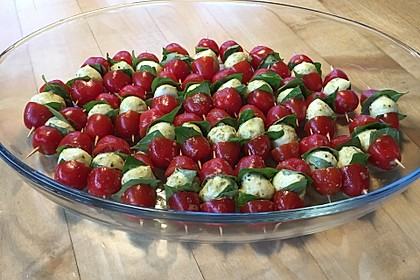 Tomaten - Mozzarella - Spieße 30