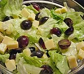 Käse - Trauben - Salat (Bild)