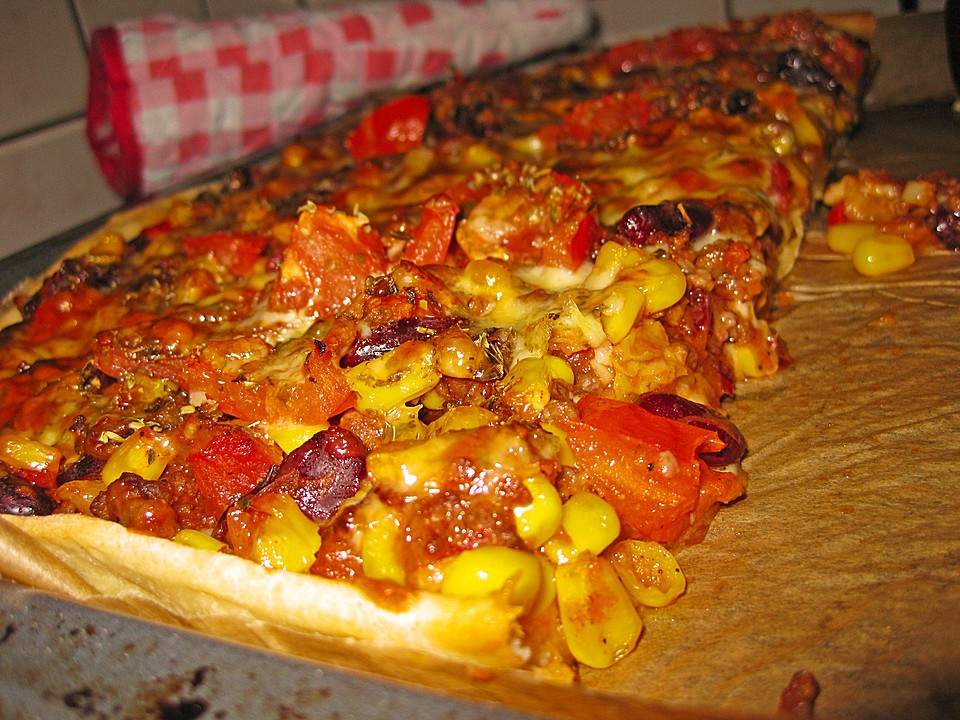 chili con carne pizza rezept mit bild von andy38. Black Bedroom Furniture Sets. Home Design Ideas