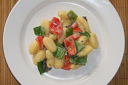 Gnocchi mit Garnelen-Trüffel-Kräuter-Soße 10
