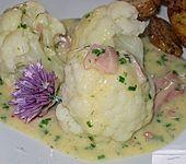 Blumenkohl mit Käse - Kräuter - Sauce (Bild)