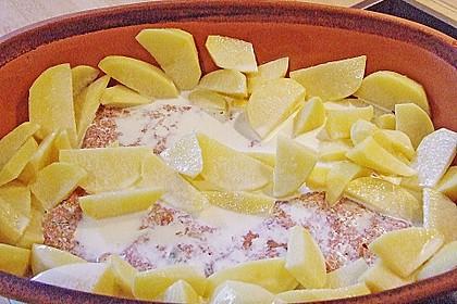 Römertopf - Kräuterhackroulade mit Sahnekartoffeln 6