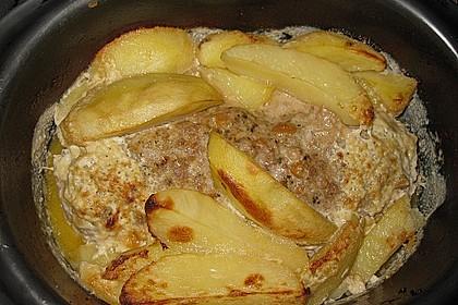Römertopf - Kräuterhackroulade mit Sahnekartoffeln 1