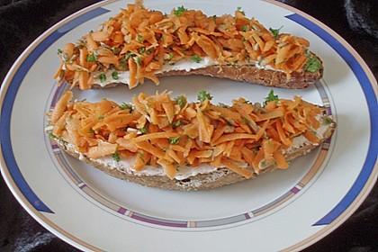 Brötchen mit Quark und Karotten 0