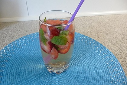 Erdbeerbowle 6