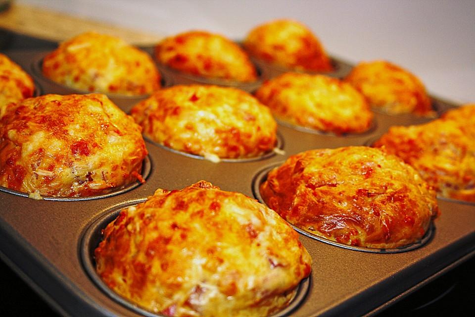 salzige Käse Muffins mit verschiedenen Käsesorten
