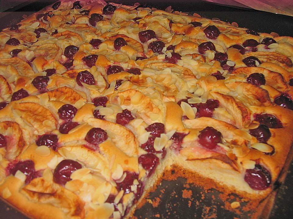 Omas blechkuchen mit kirschen