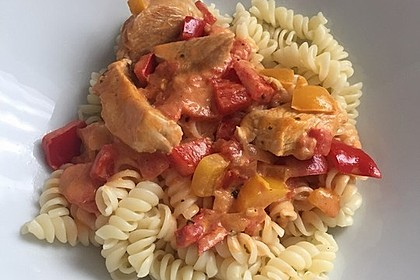 Nudeln mit Paprika - Sahne - Sauce 13