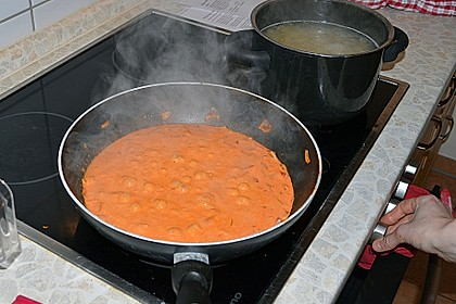 Nudeln mit Paprika - Sahne - Sauce 24