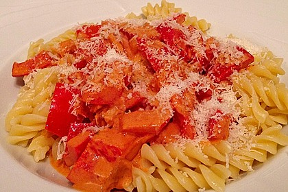 Nudeln mit Paprika - Sahne - Sauce 3