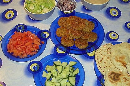 Falafel mit Joghurt - Sesam - Sauce