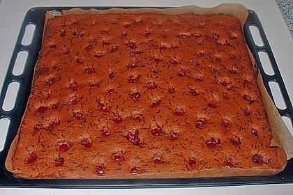 Rotweinkuchen mit Gewürzen und Kirschen 1