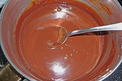 Frosting / Glasur mit Schokolade und Sahne 14