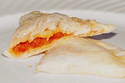 Tomaten - Mozzarella - Blätterteigtaschen 2