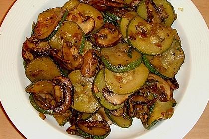 Zucchini - Champignon - Pfanne 12