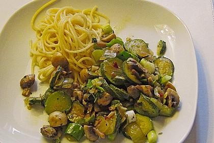 Zucchini - Champignon - Pfanne 11