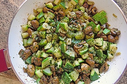 Zucchini - Champignon - Pfanne 15
