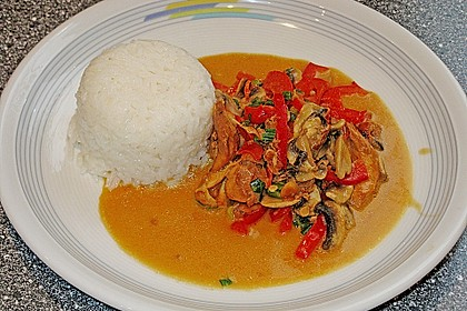 Schnelles Thai-Curry mit Huhn, Paprika und feiner Erdnussnote 73