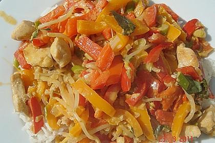 Schnelles Thai-Curry mit Huhn, Paprika und feiner Erdnussnote 34
