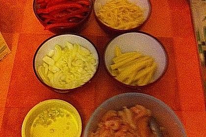 Schnelles Thai-Curry mit Huhn, Paprika und feiner Erdnussnote 154