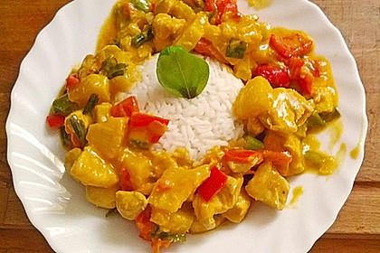 Schnelles Thai-Curry mit Huhn, Paprika und feiner Erdnussnote 54
