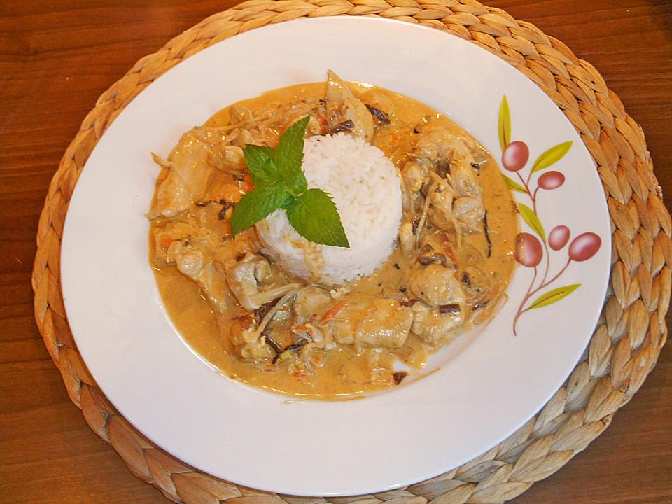 schnelles thai curry mit huhn paprika und feiner erdnussnote rezept mit bild. Black Bedroom Furniture Sets. Home Design Ideas