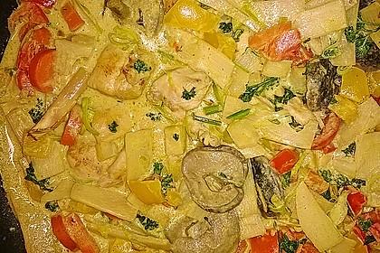 Schnelles Thai-Curry mit Huhn, Paprika und feiner Erdnussnote 137