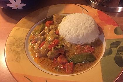 Schnelles Thai-Curry mit Huhn, Paprika und feiner Erdnussnote 53