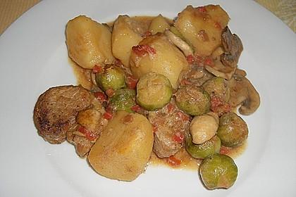 Schweinefilet auf Gemüse und Kartoffeln 8