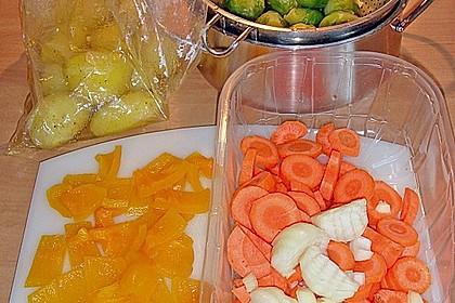 Schweinefilet auf Gemüse und Kartoffeln 23