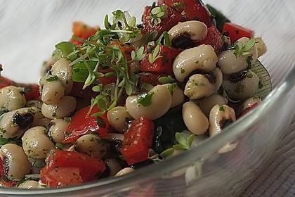 Salat aus Schwarzaugenbohnen