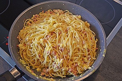 Spaghetti Carbonara 16