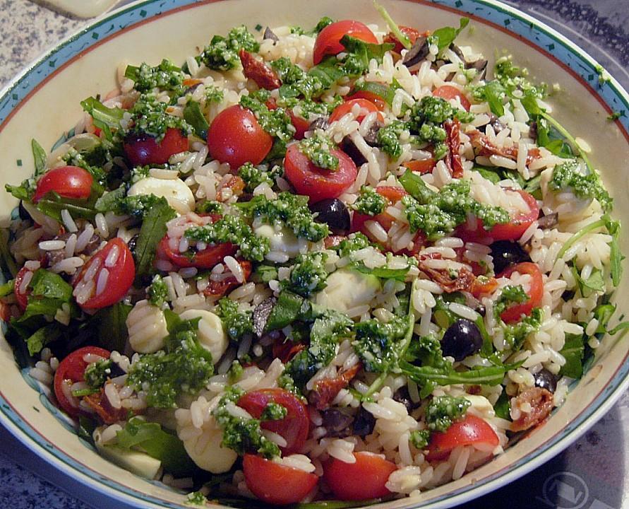 Salate mit reis