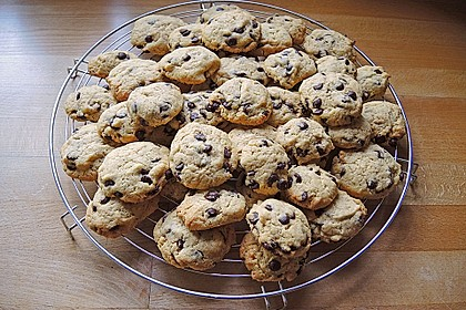 Chewy Chocolate Chip Cookies 9