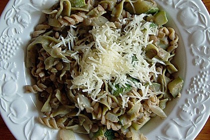 Bandnudeln mit Linsen und Zucchini 2