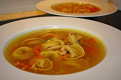 Hühnersuppe mit frischer Pasta 1