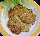 Zucchinipufferchen mit Käse (Bild)