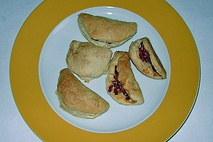 Empanada de chorizo con queso 20