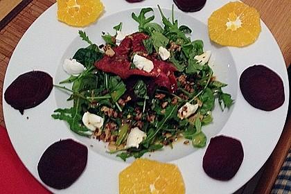 Rote Bete-Salat mit Ziegenkäse 30