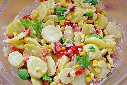 Bunter Erdäpfelsalat mit Frankfurter