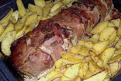 Mediterraner Hackbraten mit Oregano-Kartoffeln 76