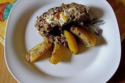 Mediterraner Hackbraten mit Oregano-Kartoffeln 51