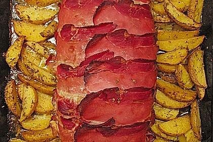 Mediterraner Hackbraten mit Oregano-Kartoffeln 74