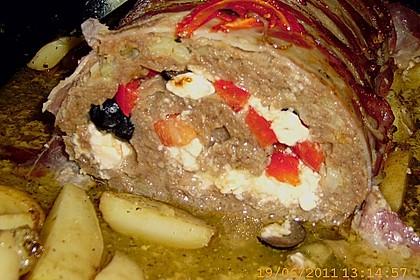 Mediterraner Hackbraten mit Oregano-Kartoffeln 75