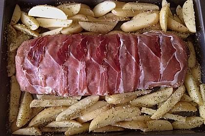 Mediterraner Hackbraten mit Oregano-Kartoffeln 99