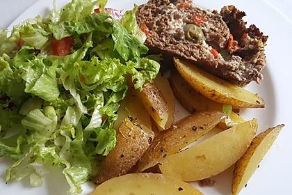 Mediterraner Hackbraten mit Oregano-Kartoffeln 10