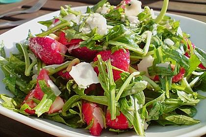 Basilikum-Rucolasalat mit Erdbeeren 4