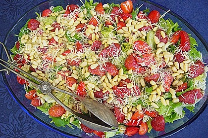 Basilikum-Rucolasalat mit Erdbeeren 46