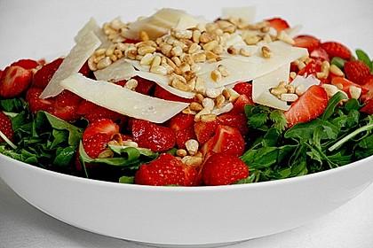 Basilikum-Rucolasalat mit Erdbeeren 14